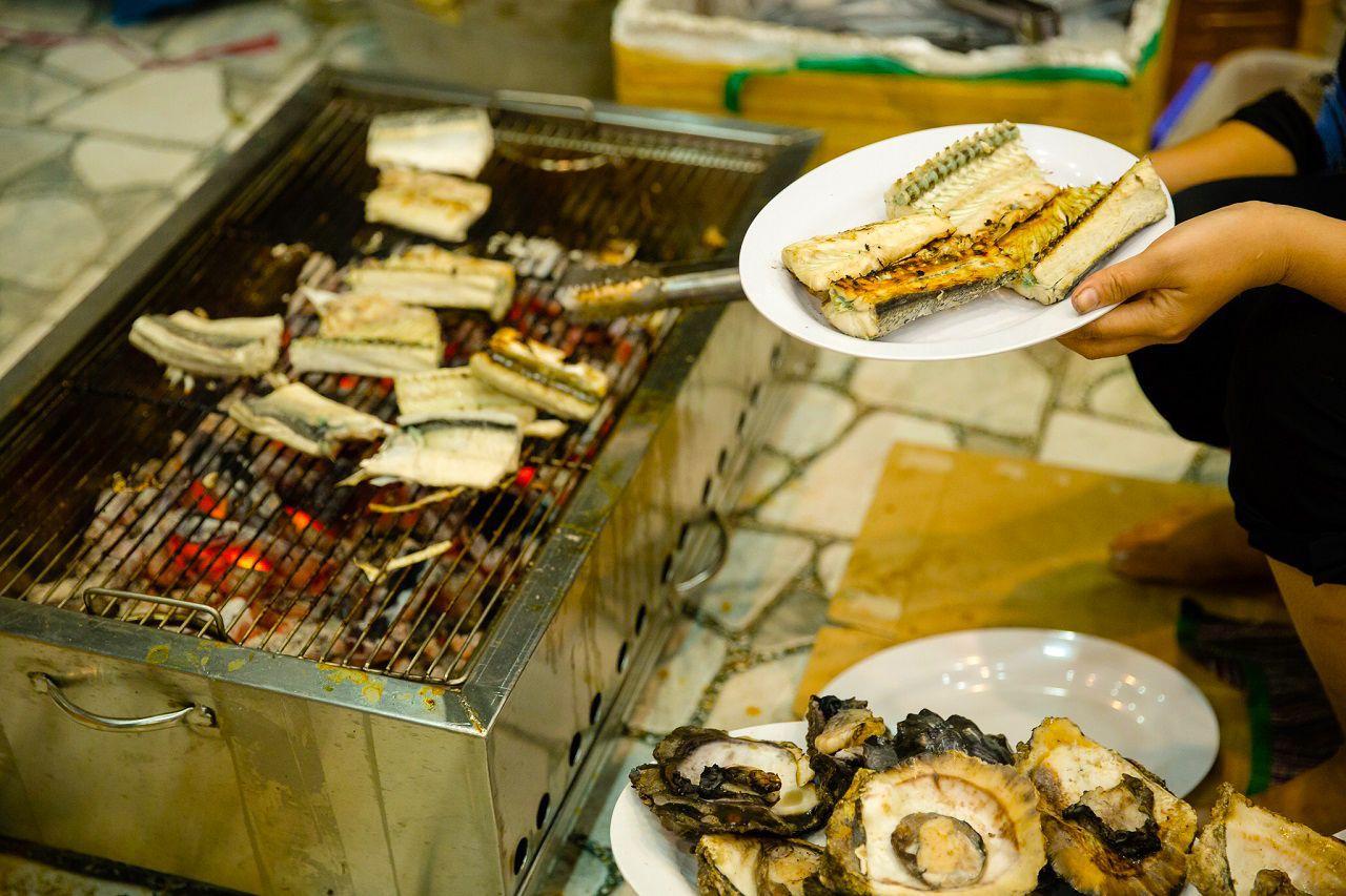 Thưởng thức hải sản Nam Du