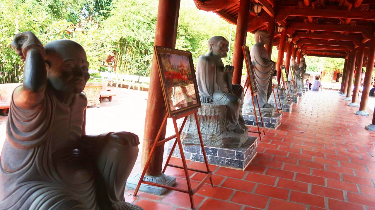 Bên trong thiền viện Trúc Lâm