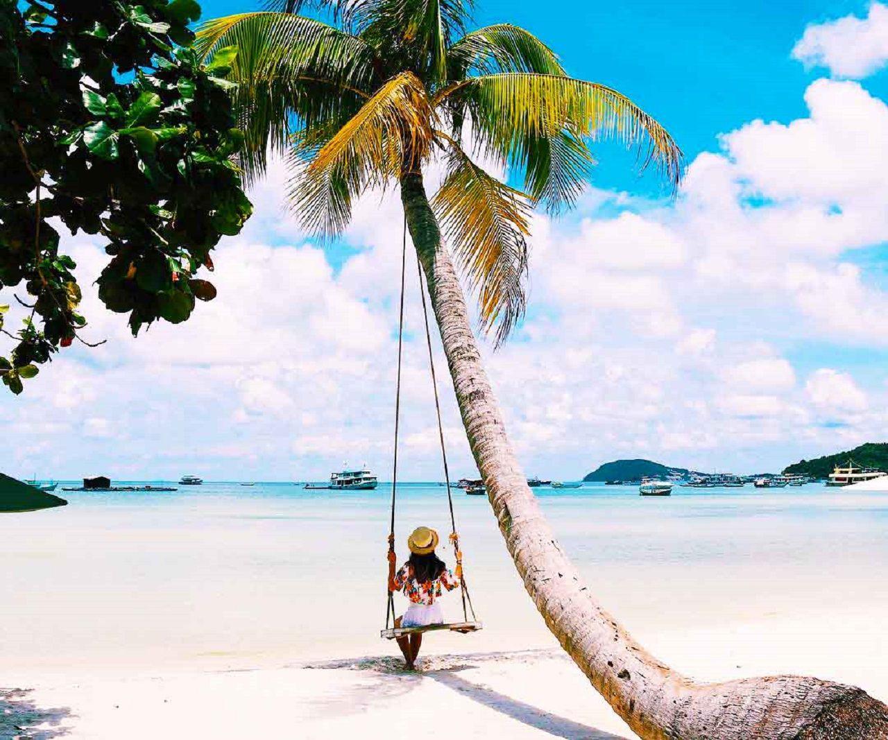 Check-in Bãi Sao cực đẹp với cây dừa huyền thoại
