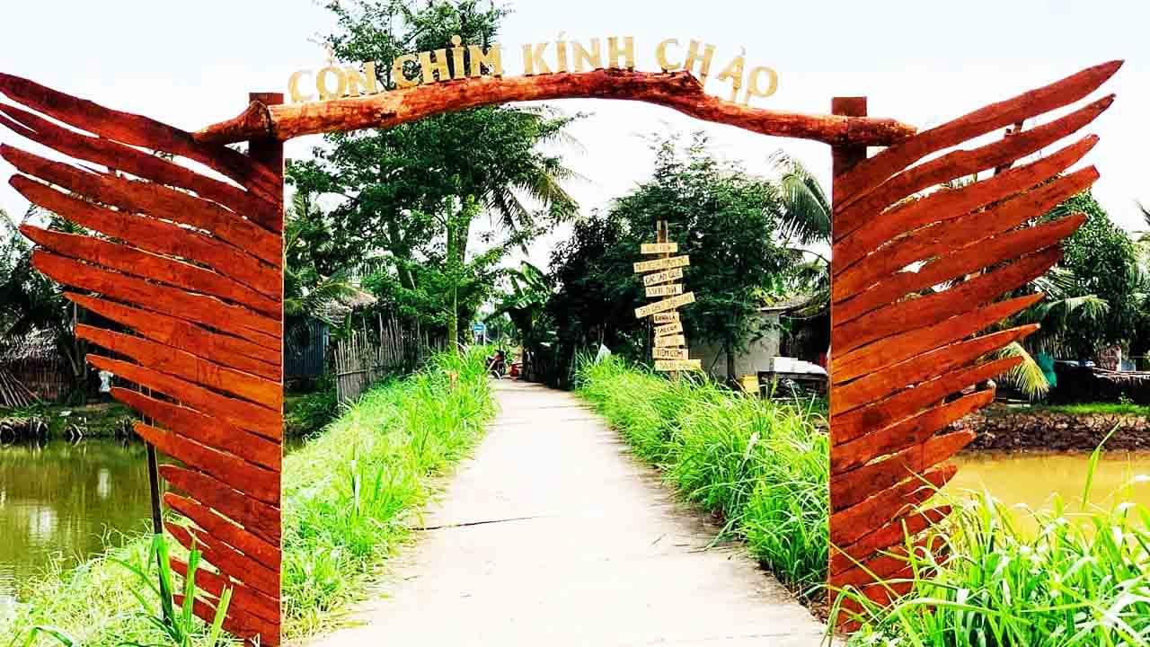 Check-in cổng chào Cồn Chim - tour Trà Vinh 1 ngày