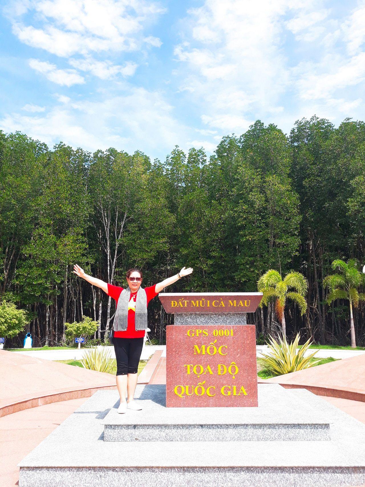 Check-in cột mốc tọa độ Đất Mũi Cà Mau
