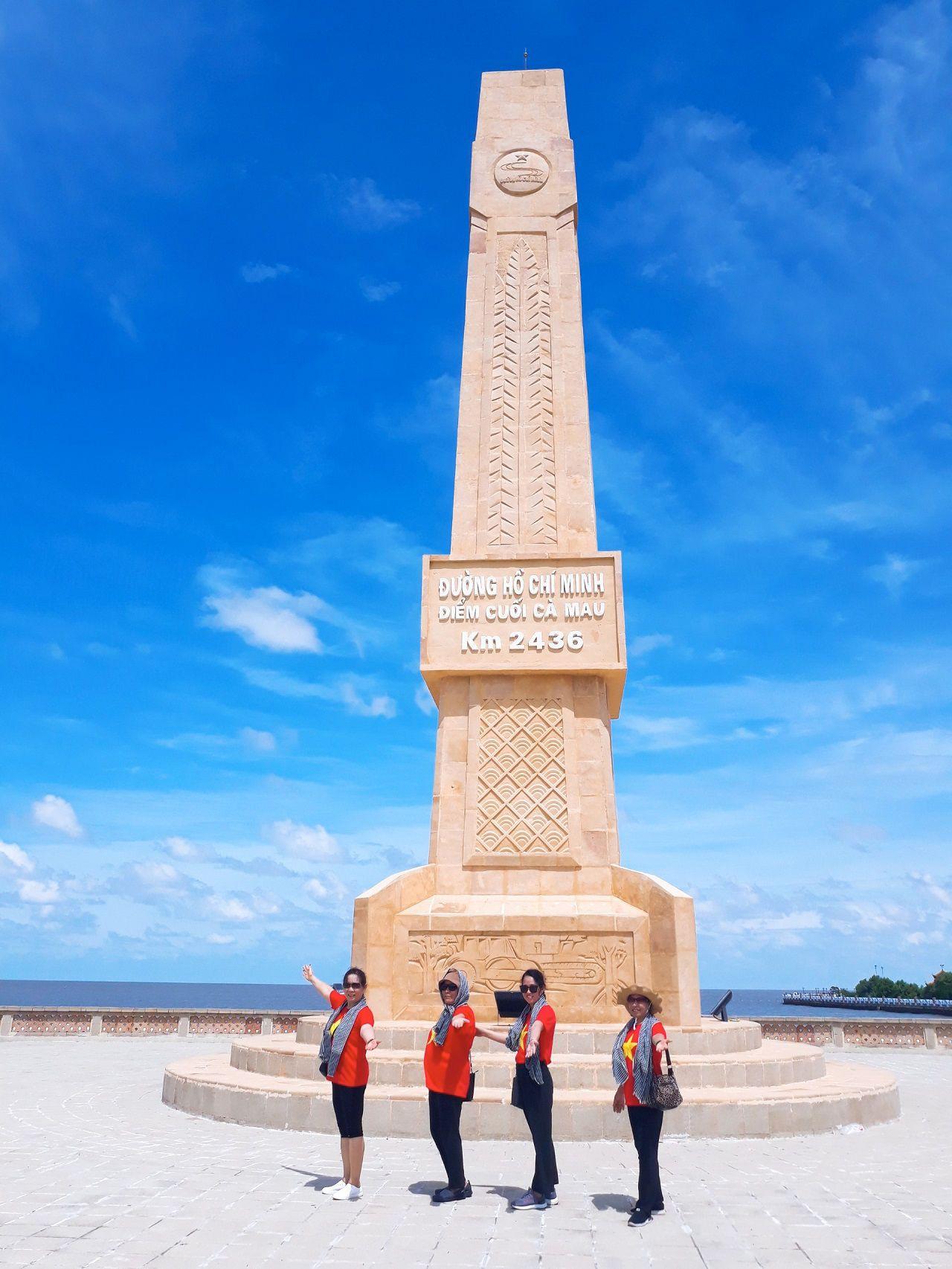 Điểm cuối đường Hồ Chí Minh KM 2436 - tour Cà Mau 1 ngày