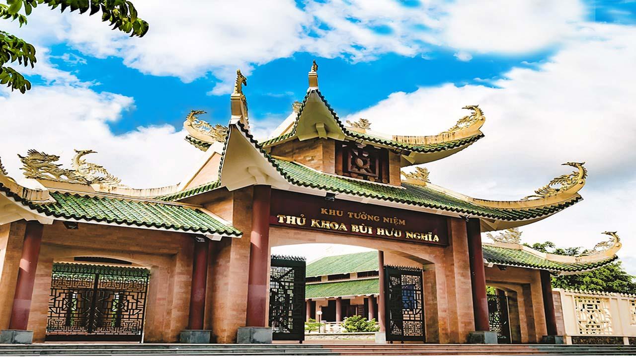 Khu Tuong Niem Thu Khoa Bui Huu Nghia