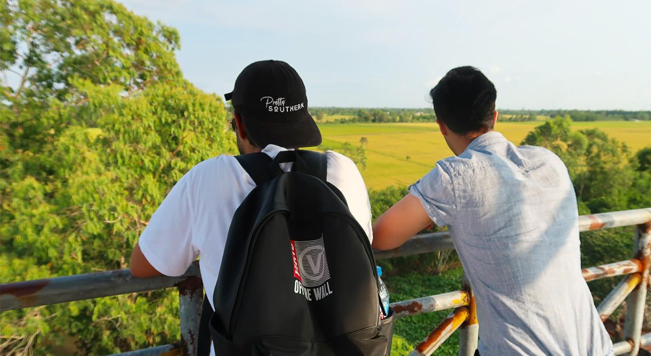 Ngắm cảnh ruộng lúa vàng rực - tour du lịch Lung Ngọc Hoàng