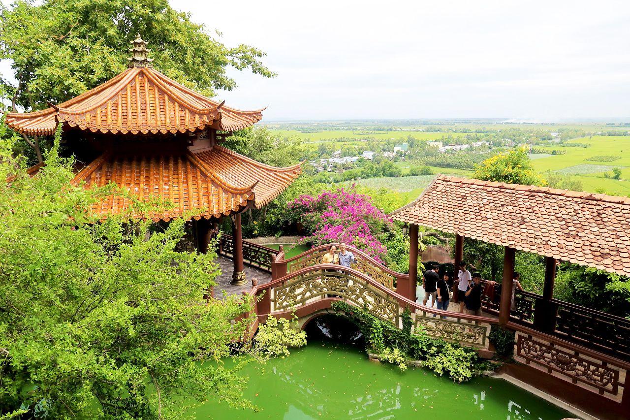 Chùa Hang Châu Đốc An Giang - tour Cần Thơ An Giang Đồng Tháp