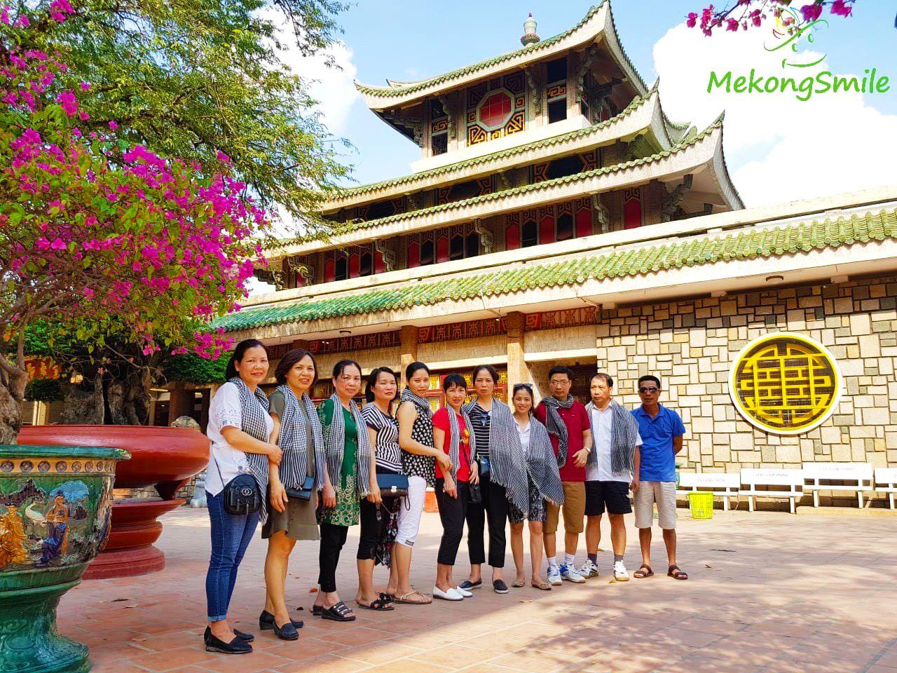 Miếu Bà chúa Xứ Châu Đốc Núi Sam - tour Cần Thơ An Giang Đồng Tháp