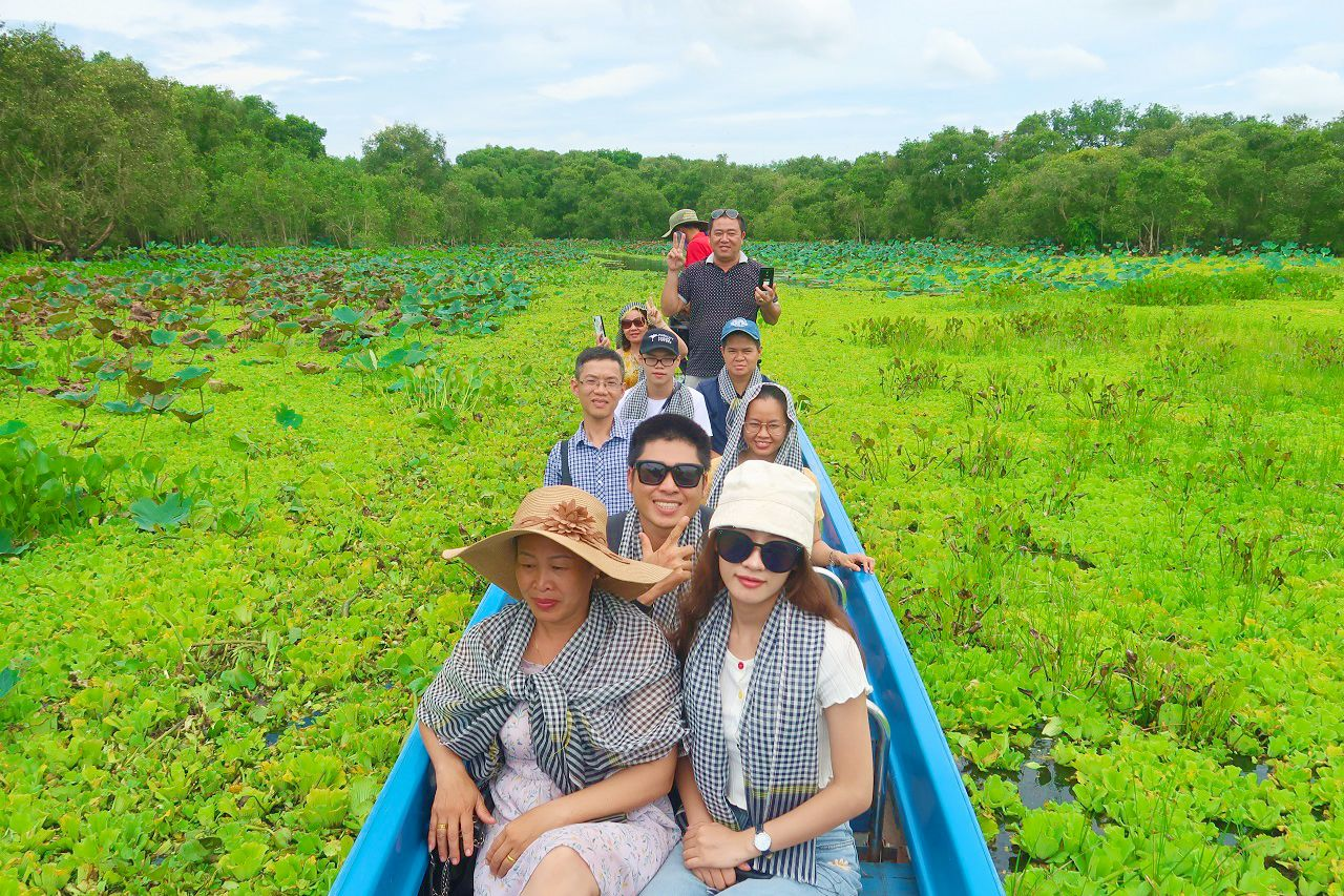 Check in rừng tràm Trà Sư - tour Cần Thơ An Giang Đồng Tháp