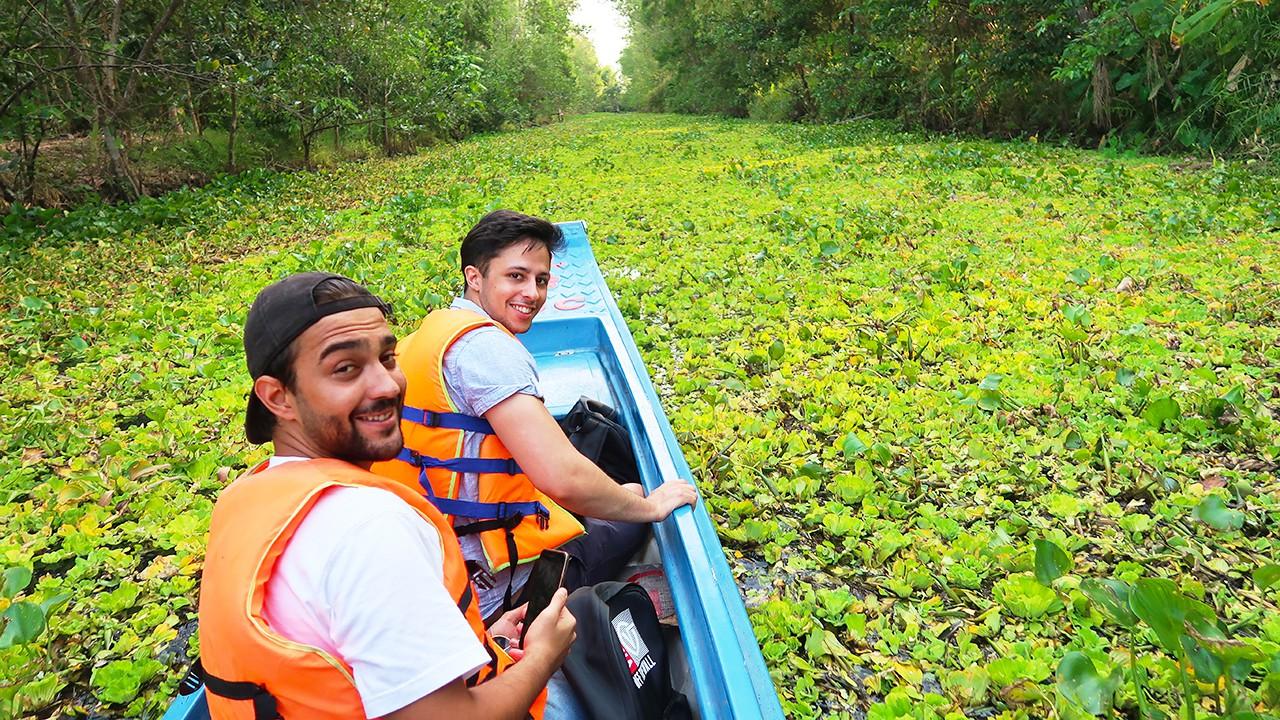 Trải nghiệm tắc ráng xuyên rừng tràm ngập nước