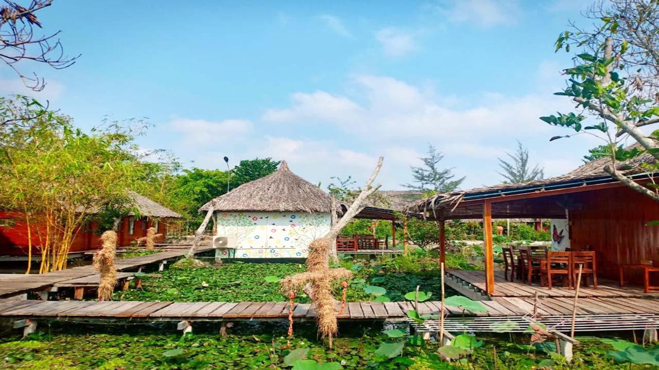 Vườn sinh thái Xẻo Nhum